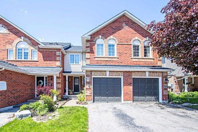 10 Lick Pond Way, Whitby