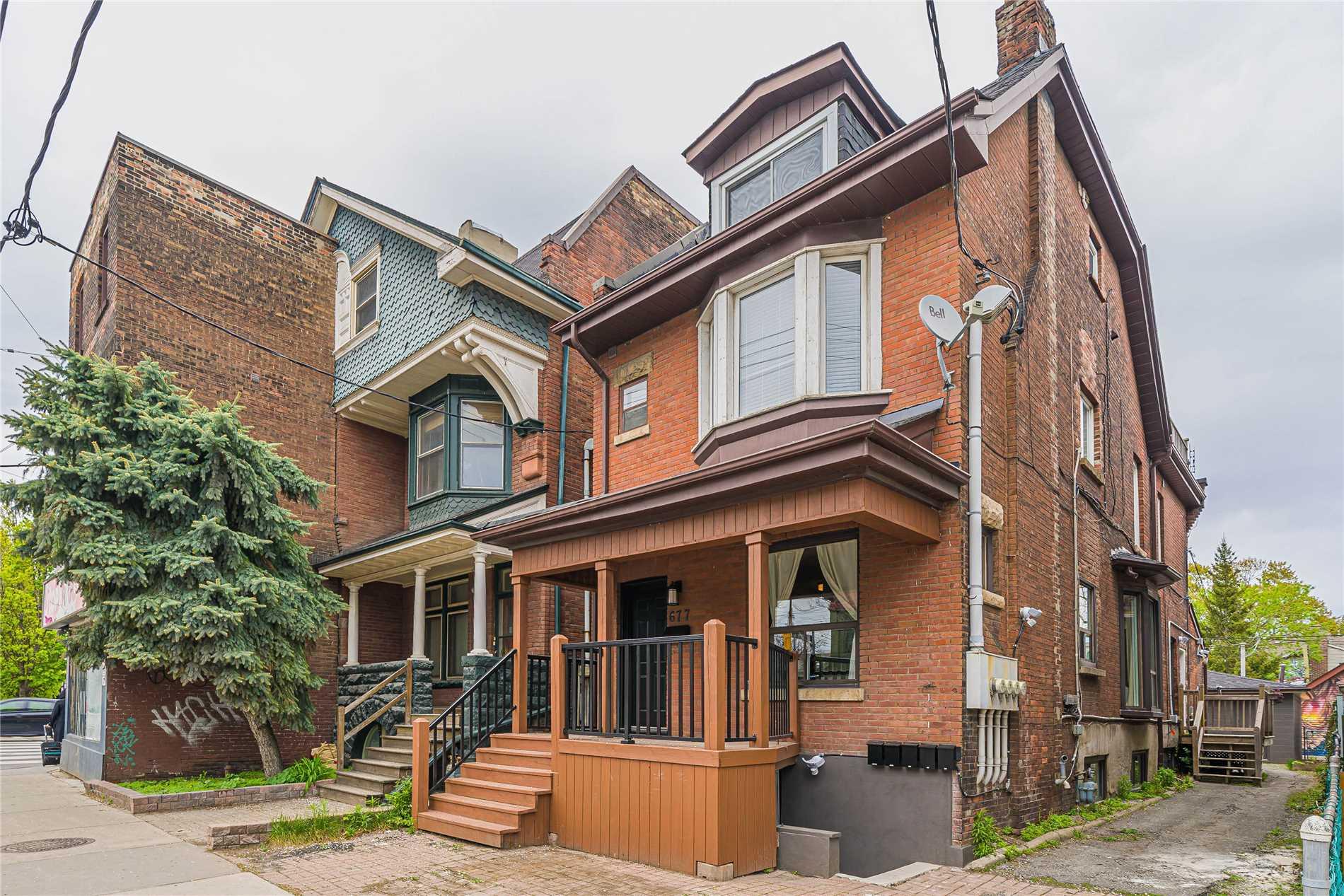 677 Bathurst St, Toronto