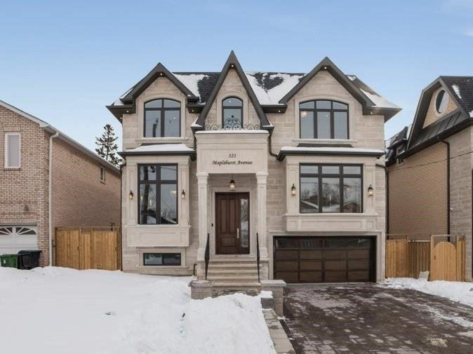 323 Maplehurst Ave, Toronto