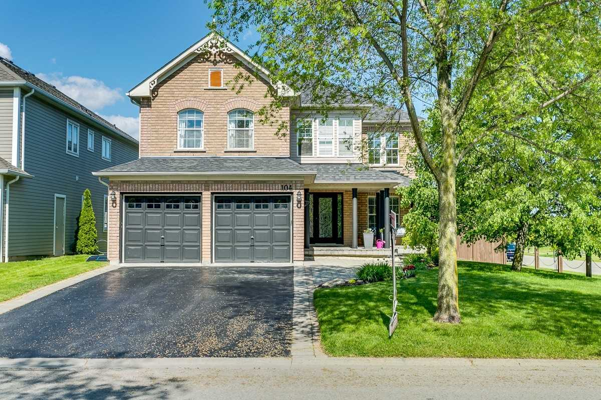 104 Downey Dr, Whitby