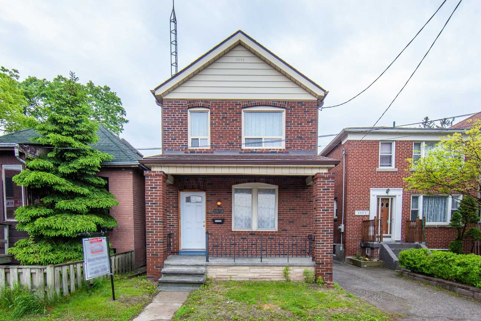2353 Gerrard St E, Toronto