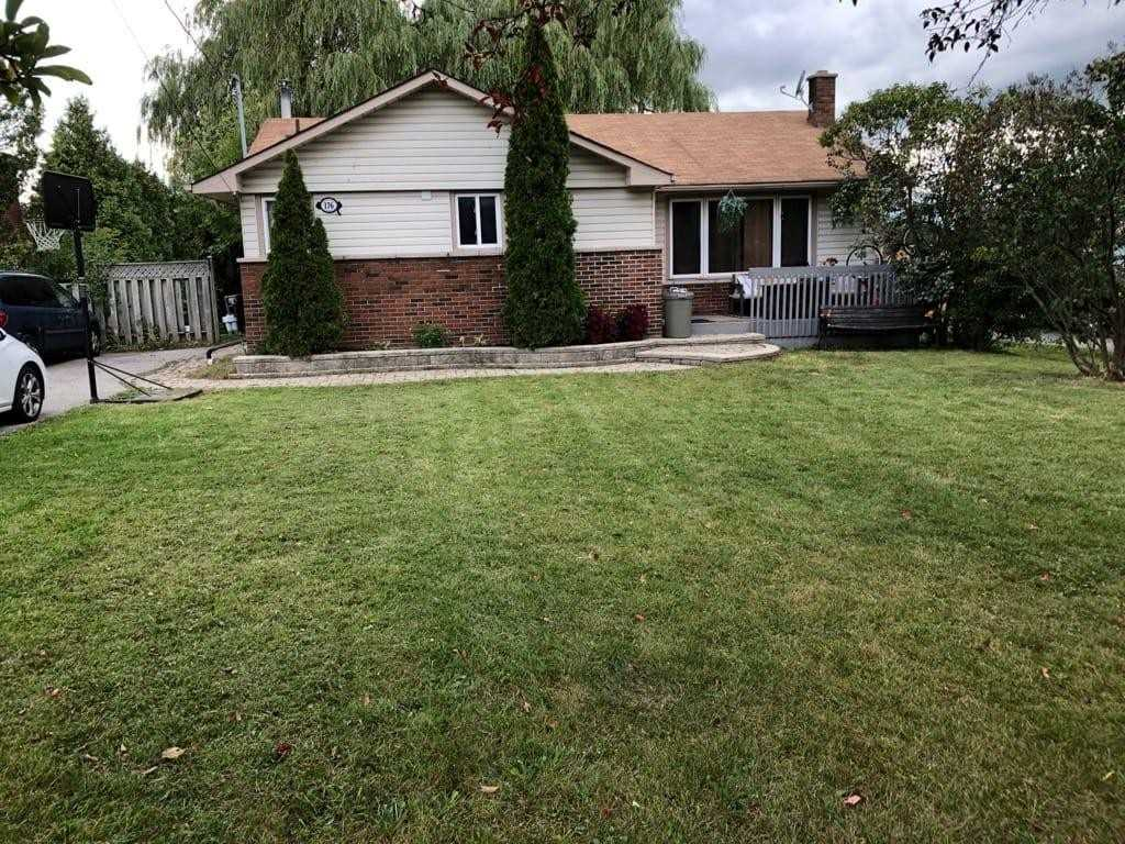 176 Thickson Rd N, Whitby