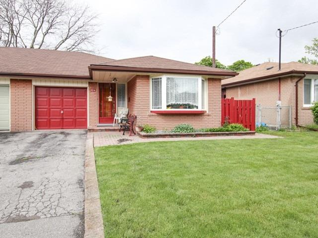 124 Lupin Dr, Whitby