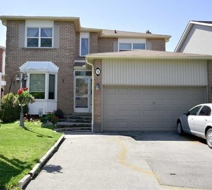 9 Corral Crt, Whitby