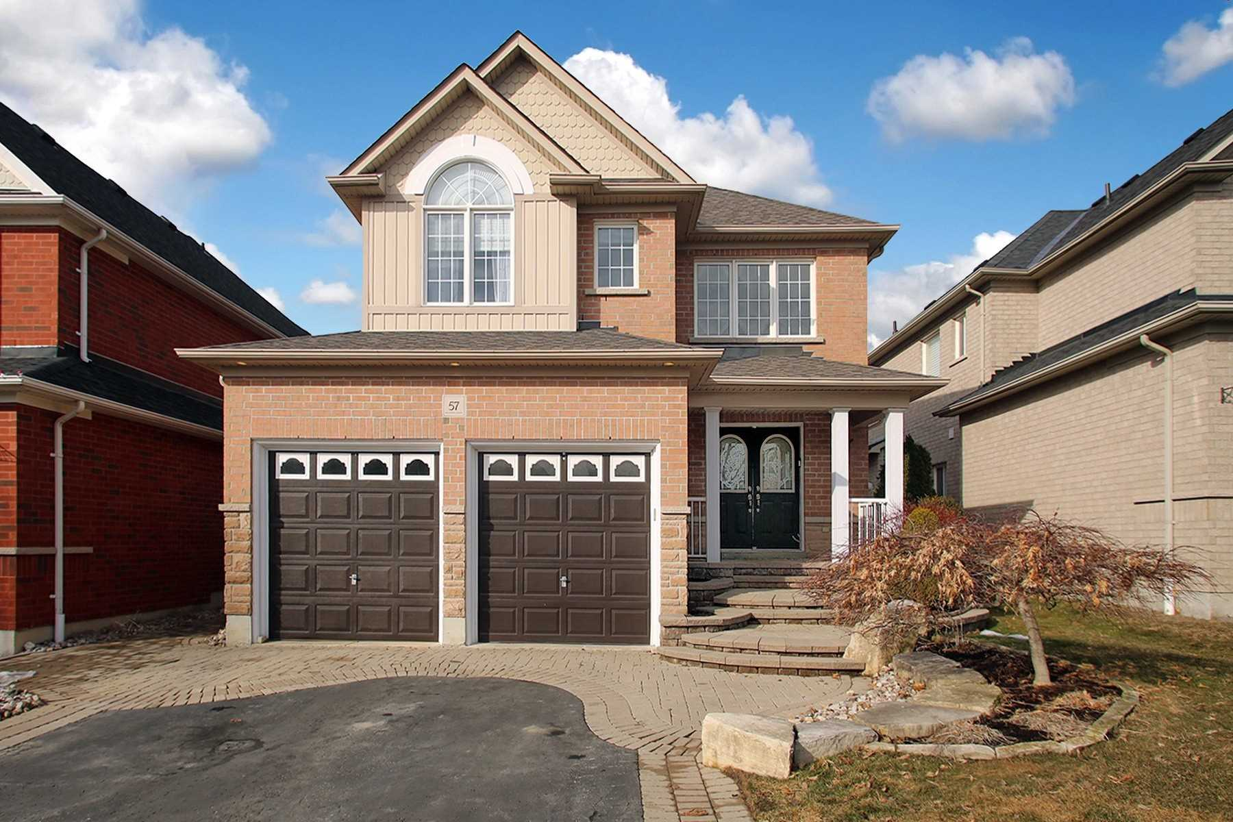 57 Carlinds Dr, Whitby