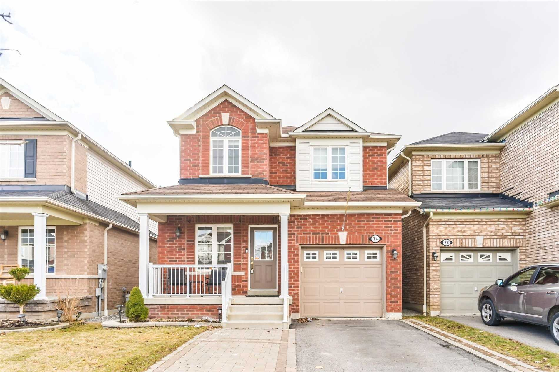 74 Harkness Dr, Whitby