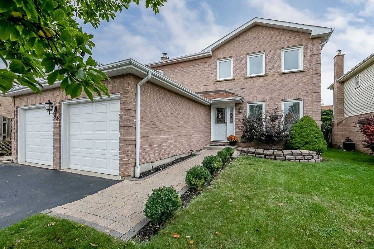 44 Lumsden Cres, Whitby
