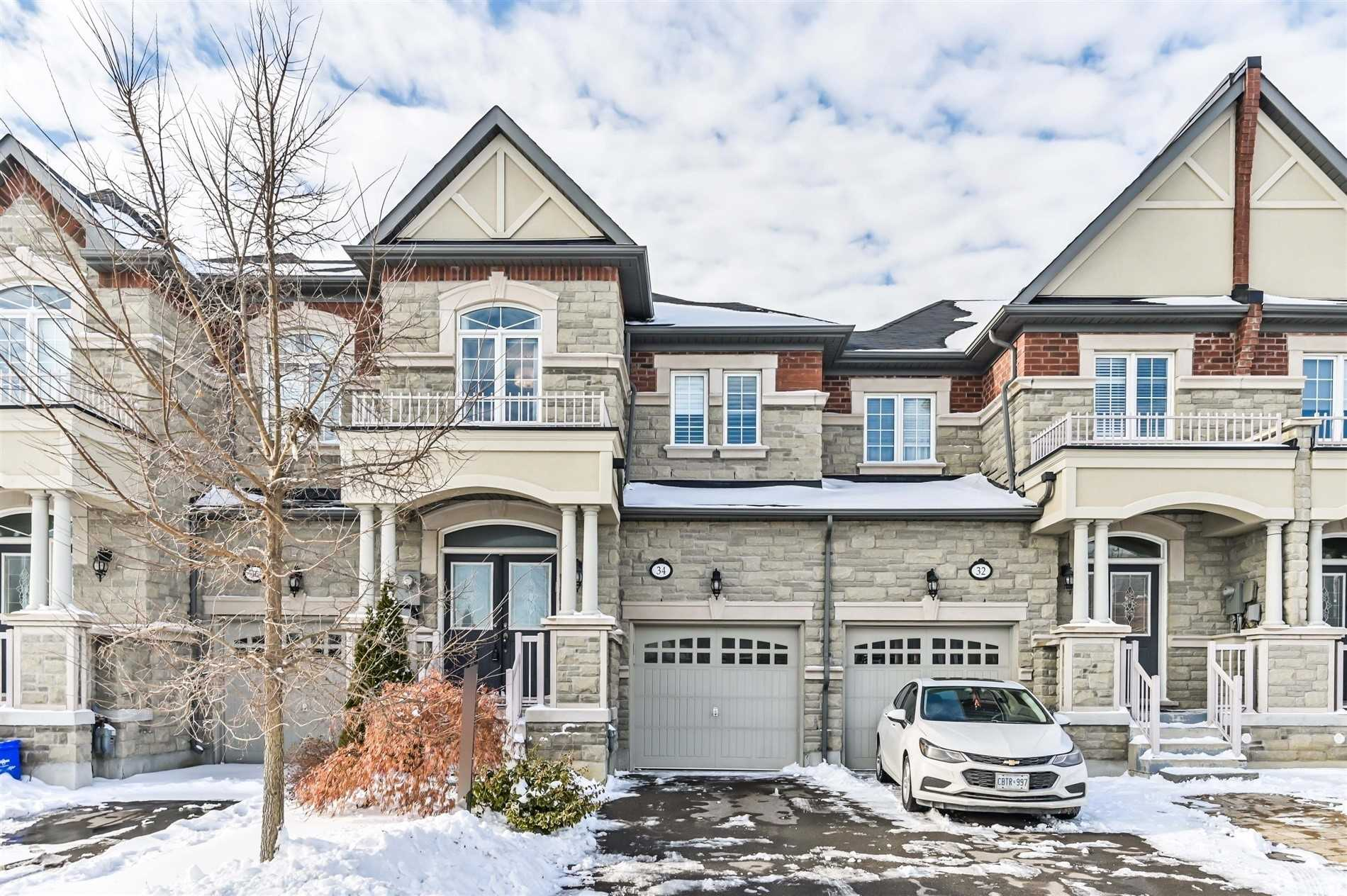 34 Spruce Pine Cres, Vaughan