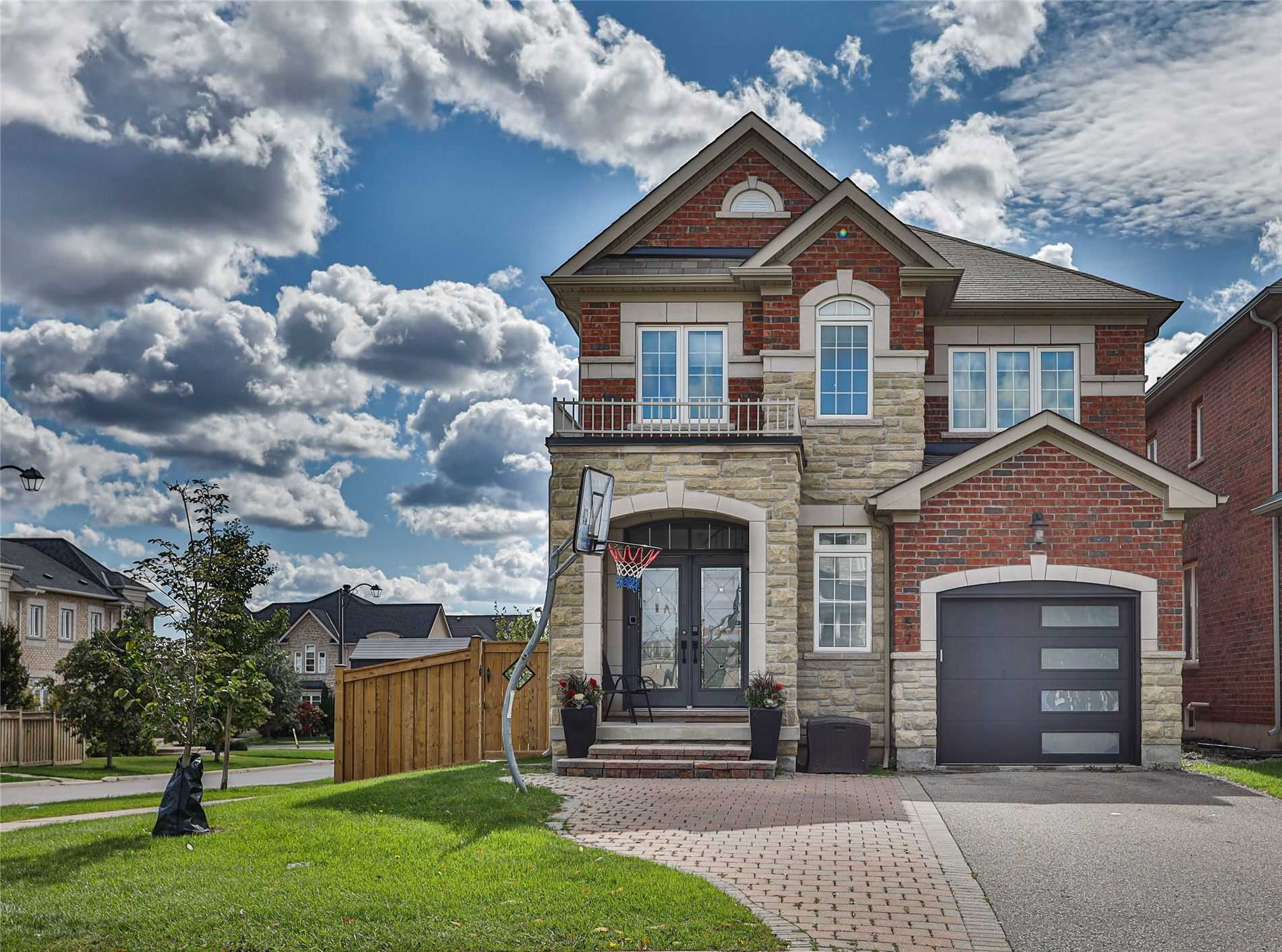 57 Shale Cres, Vaughan
