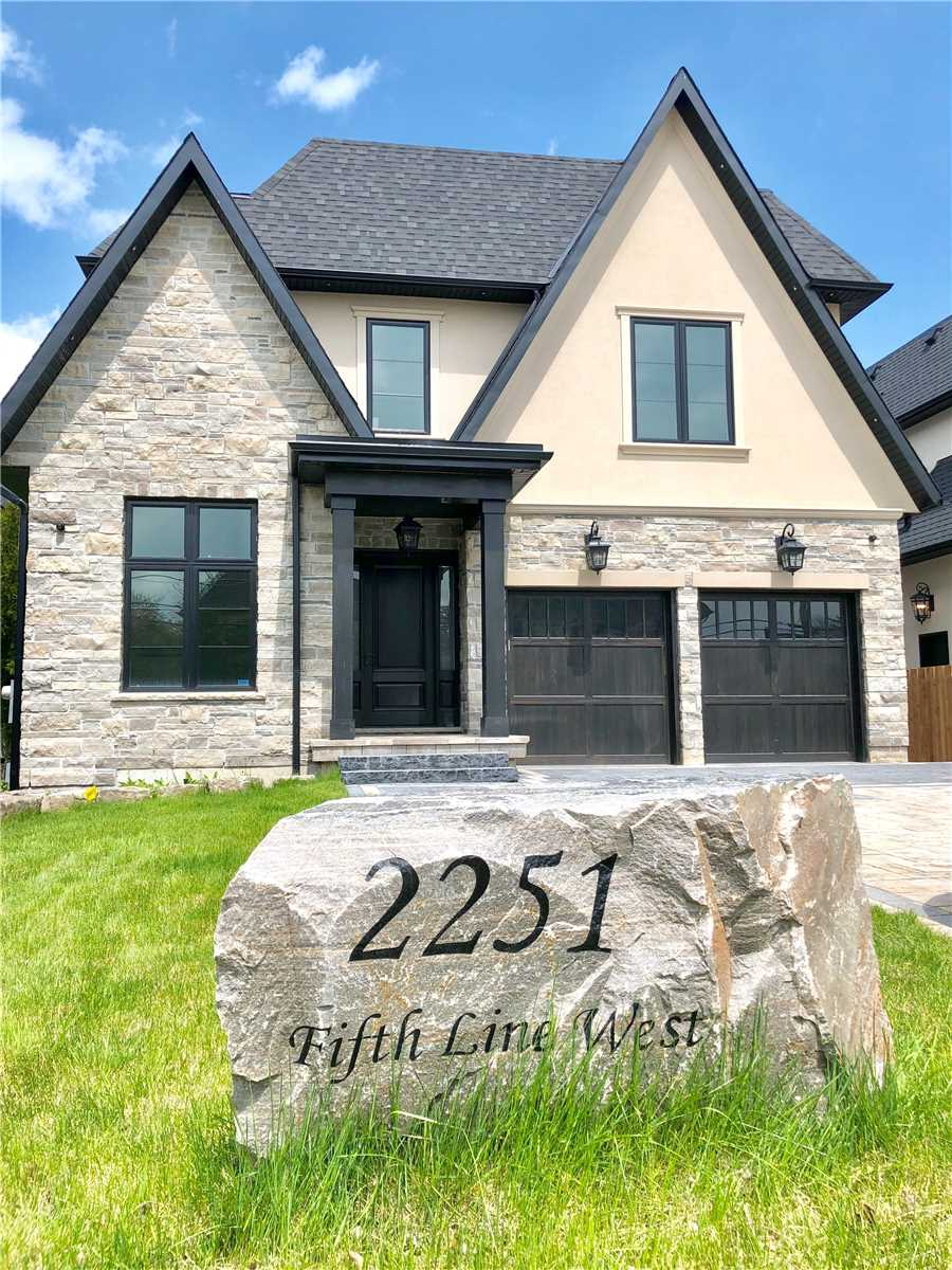 2251 Fifth Line W, Mississauga