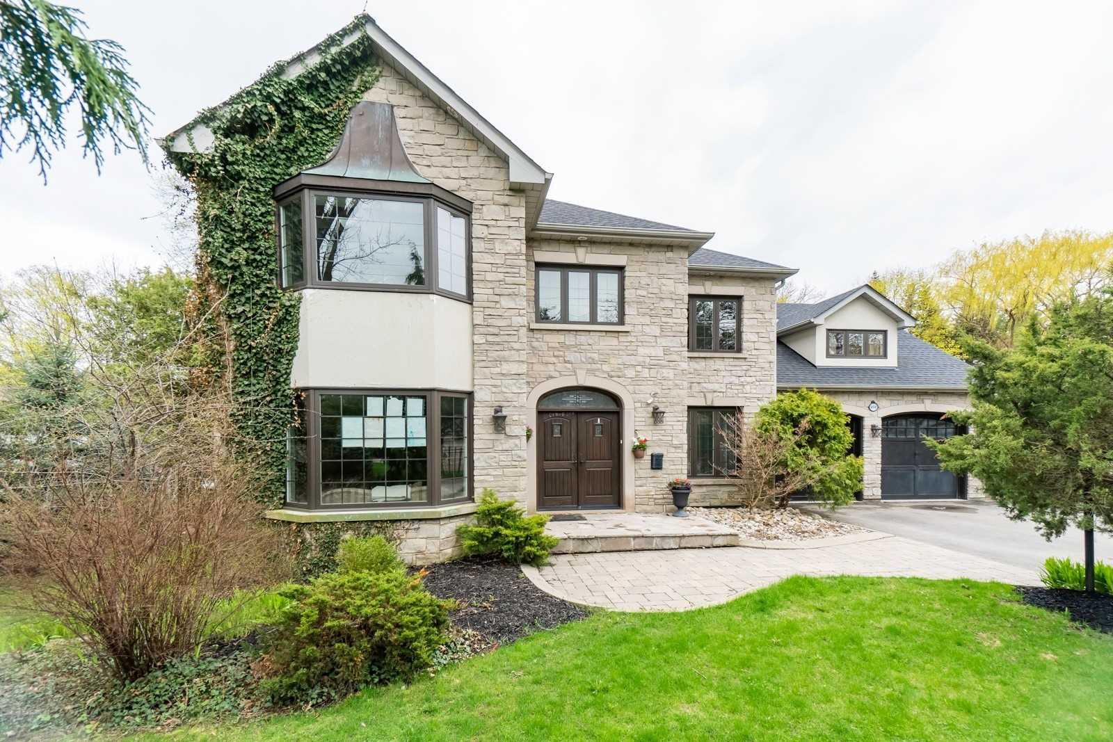 468 Meadow Wood Rd, Mississauga