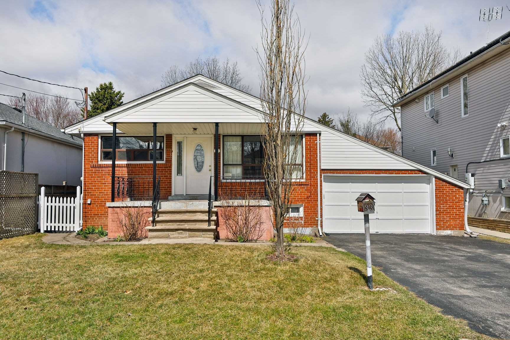 33 Troy St, Mississauga