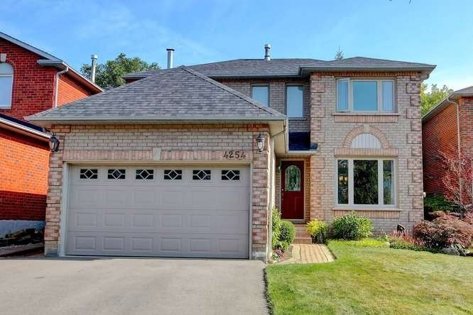 4254 Credit Pointe Dr, Mississauga