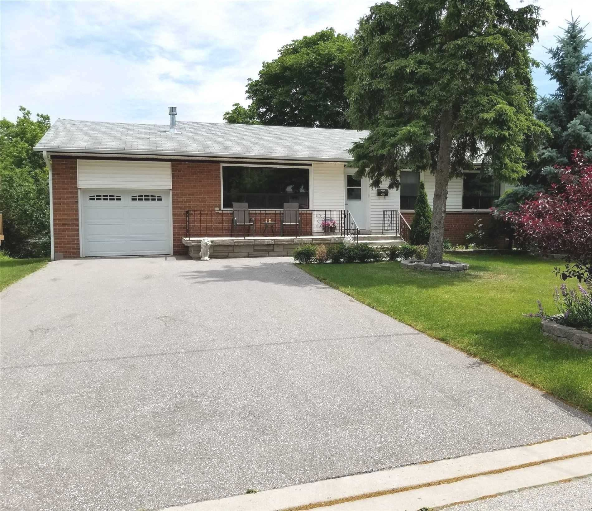 17 Pioneer Dr, Mississauga